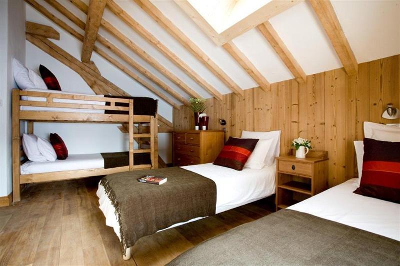 Ref: 102394647 5 Bedrooms Price € 1,295,000