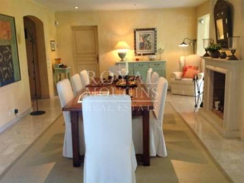 Ref: 106488383 4 Bedrooms Price € 1,620,000