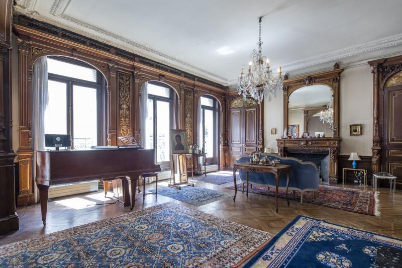 Ref: 99306117 5 Bedrooms Price € 3,850,000
