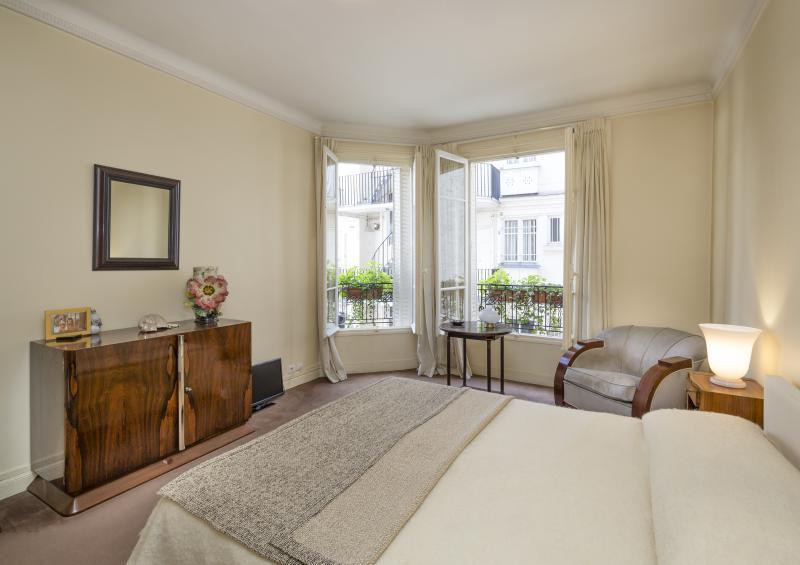 Ref: 107908835 2 Bedrooms Price € 890,000