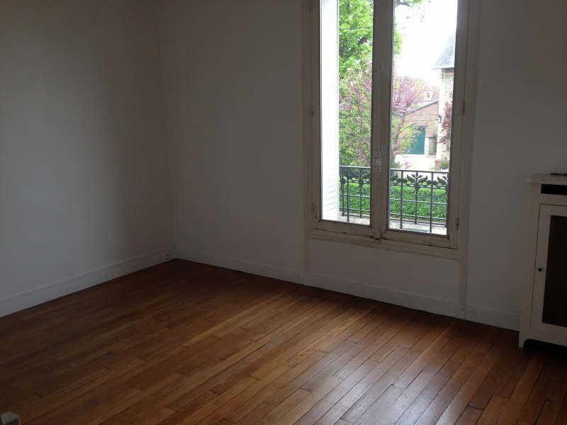 Ref: 108437305 5 Bedrooms Price € 3,200