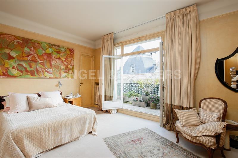 Ref: 107604729 4 Bedrooms Price € 2,680,000