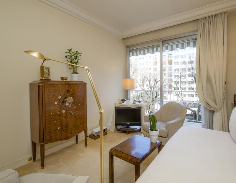 Ref: 107056491 3 Bedrooms Price € 1,295,000