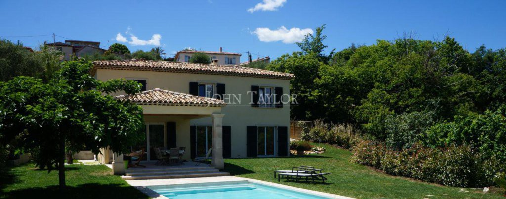 John taylor saint paul de vence la colle sur loup for Classe energetique maison