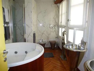 Ref: 108523439 2 Bedrooms Price € 1,150,000