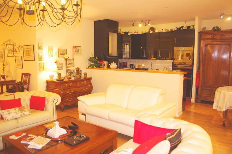 Ref: 109009339 2 Bedrooms Price € 590,000
