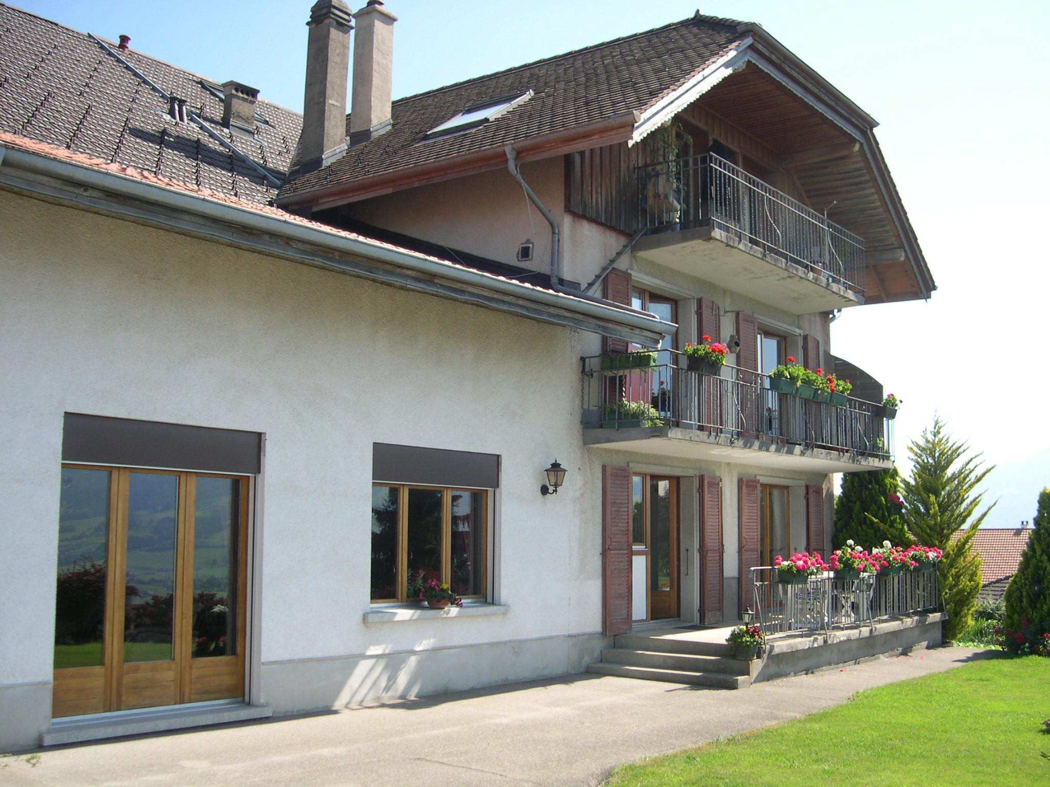 Detached House For Sale in Pont-en-Ogoz - 10 Photos