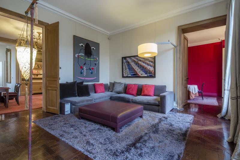 Ref: 96835729 4 Bedrooms Price € 7,350,000