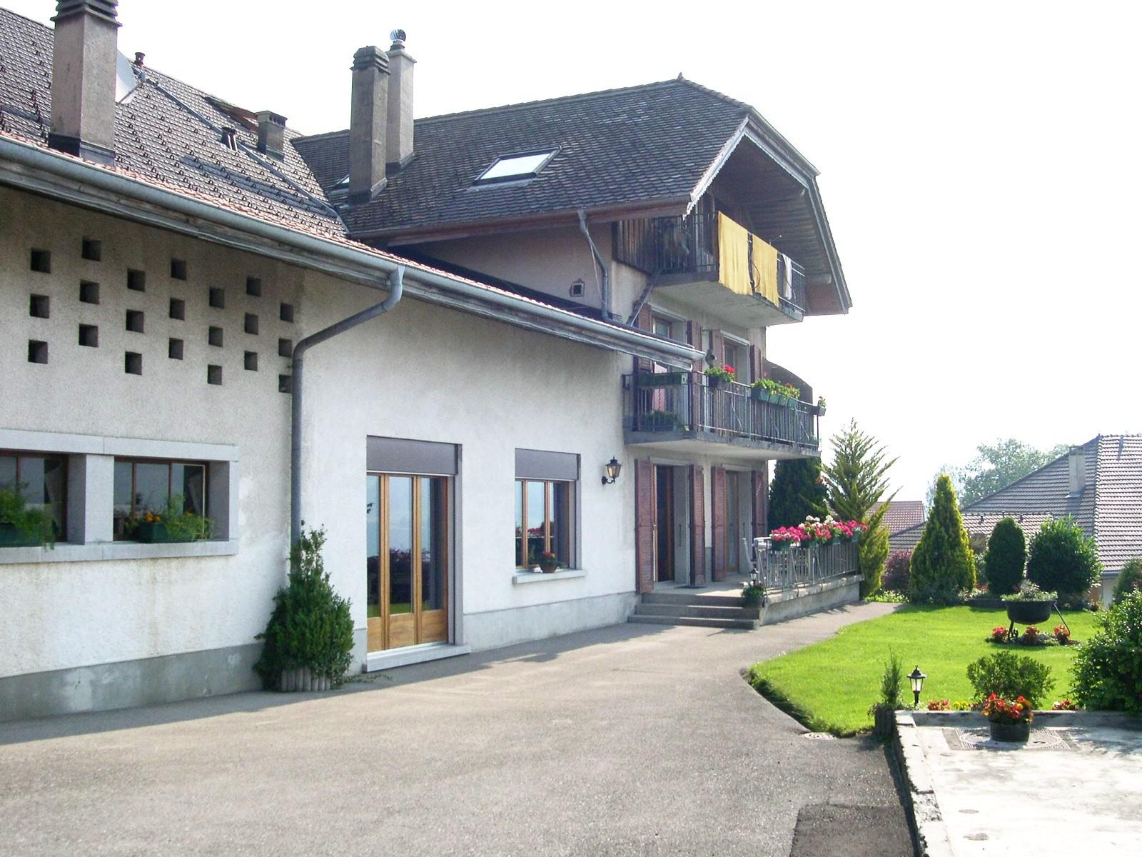 Detached House For Sale in Pont-en-Ogoz - 3 Photos