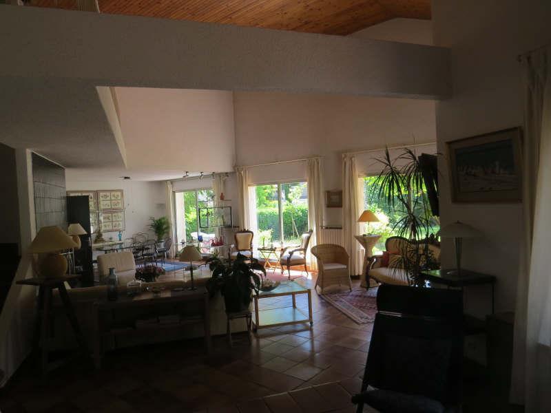 Ref: 68333799 4 Bedrooms Price € 1,248,000