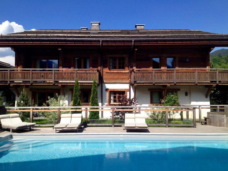 Ref: 100211147 2 Bedrooms Price € 625,000