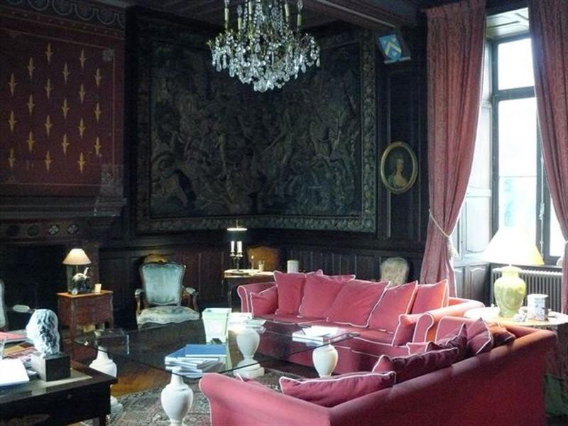 Ref: 106377723 8 Bedrooms Price € 980,000