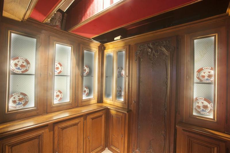 Ref: 100792225 2 Bedrooms Price € 2,600,000