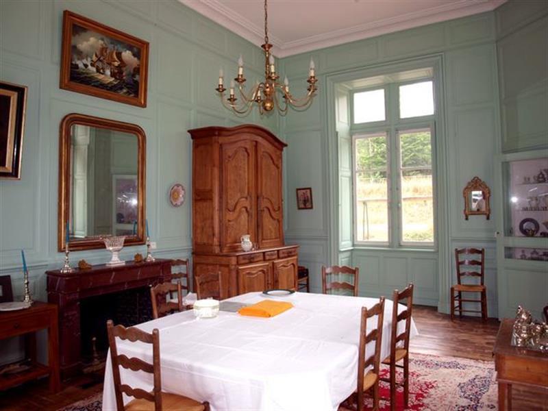 Ref: 106375909 11 Bedrooms Price € 1,600,000