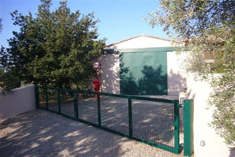 Ref: 106223813 1 Bedrooms Price € 840,000