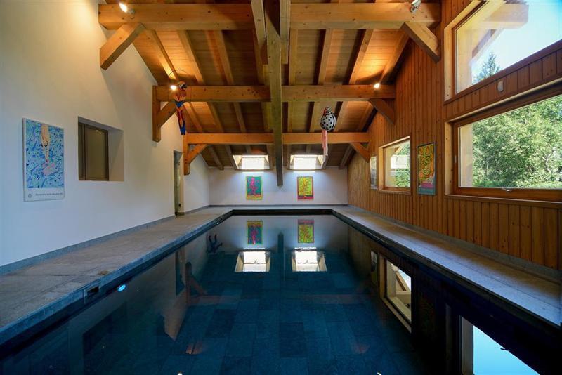 Ref: 103175033 5 Bedrooms Price € 4,680,000