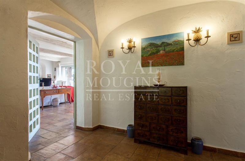Ref: 101381489 4 Bedrooms Price € 1,100,000