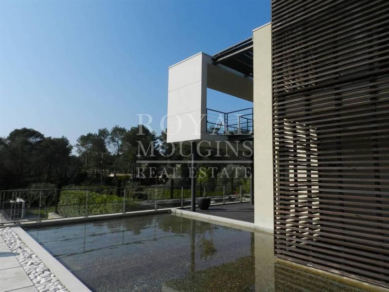 Ref: 106488371 6 Bedrooms Price € 3,900,000