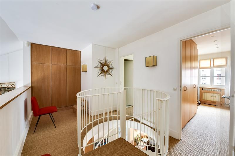 Ref: 107937735 2 Bedrooms Price € 1,990,000