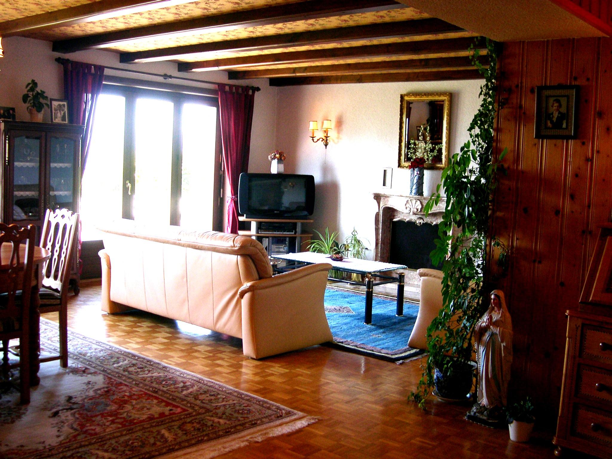 Detached House For Sale in Pont-en-Ogoz - 4 Photos