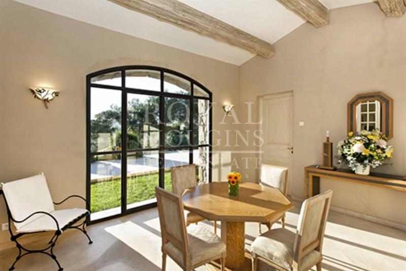 Ref: 86119855 5 Bedrooms Price € 4,500,000