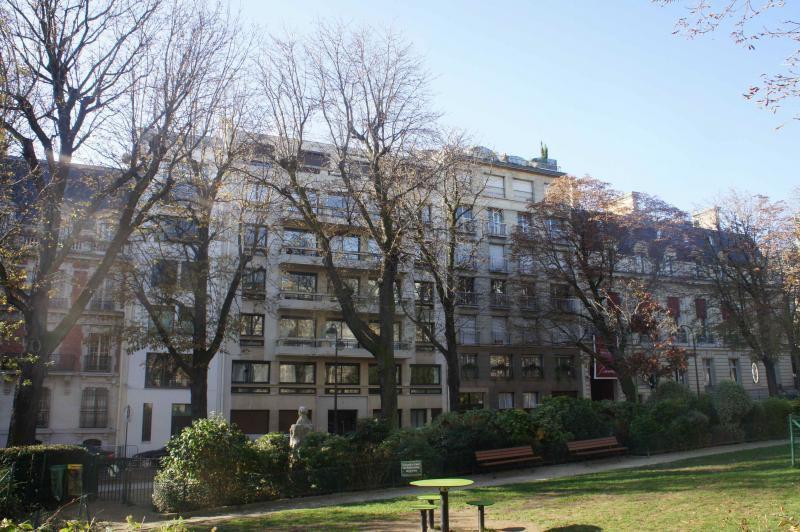 Ref: 104764093 2 Bedrooms Price € 2,990,000