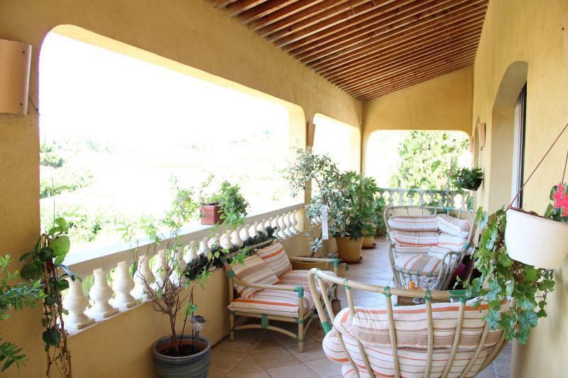 Ref: 100160083 6 Bedrooms Price € 3,890,000