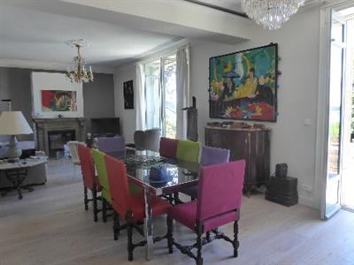 Ref: 101532335 7 Bedrooms Price € 1,672,000