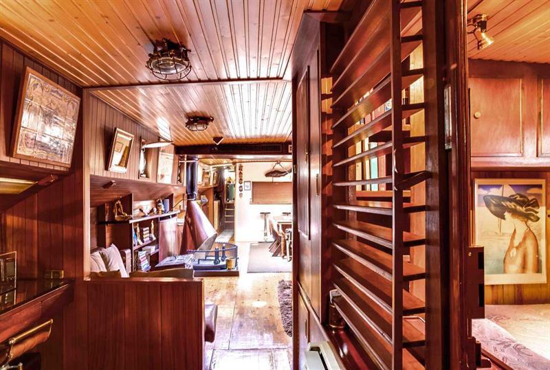 Ref: 109051931 3 Bedrooms Price € 1,780,000
