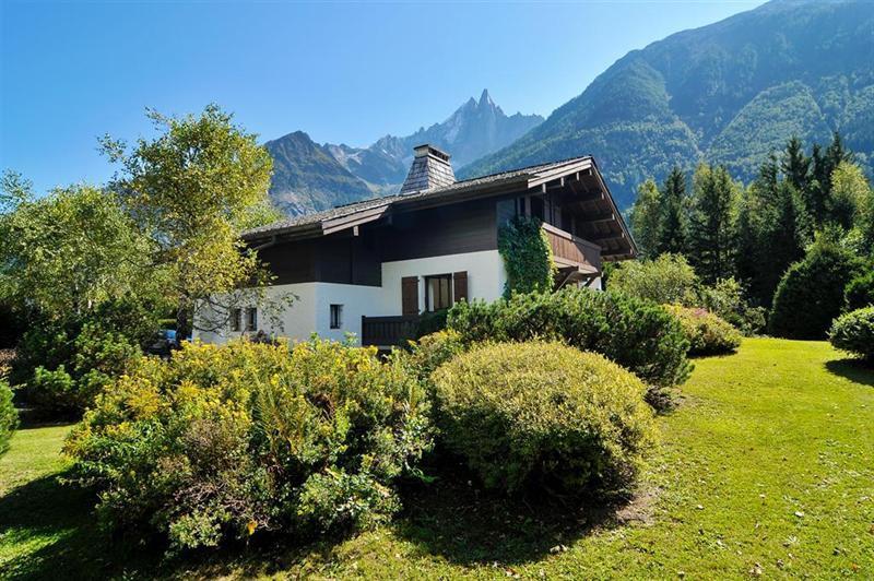 Ref: 102394645 3 Bedrooms Price € 2,250,000
