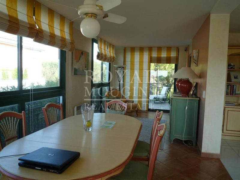 Ref: 100935379 2 Bedrooms Price € 595,000