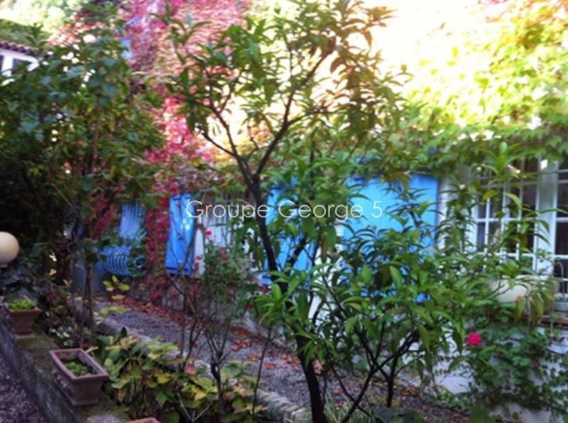 Ref: 104592743 4 Bedrooms Price € 1,550,000